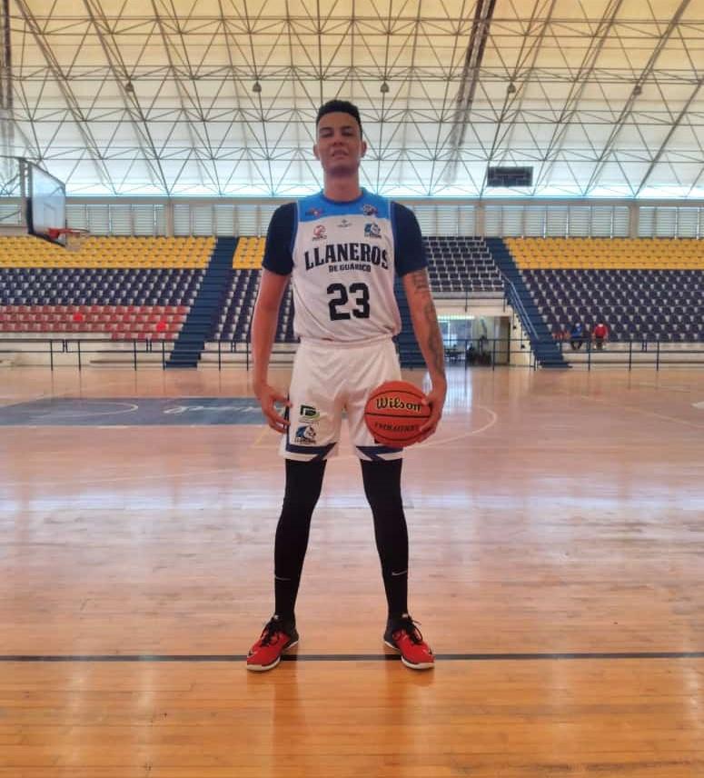 Adrián Espinoza listo para asumir su nuevo reto con Llaneros