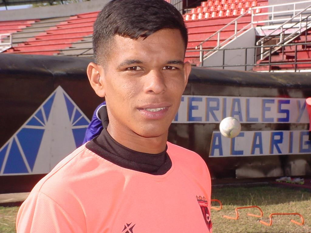 """Erick Sarmiento: """"Debemos pasar la pagina y sumar un buen resultado ante Estudiantes"""""""
