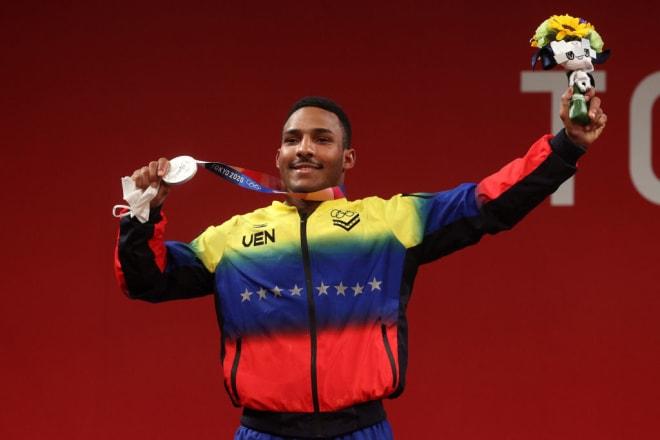Julio Mayora ganó medalla de plata en halterofilia